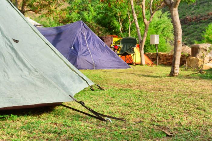 Bei Camp in my Garden findest du fremde Gärten zum Campen.