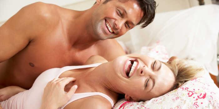 Am Anfang ist immer alles zart-rosa: die Gefühle flattern in der Magengegend, es gibt jeden Tag aufs Neue etwas am Partner zu entdecken und sowieso meint man, dass diese Gefühle stärker, schöner und intensiver waren als jemals zuvor.