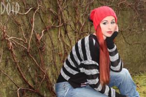 Desiree Lynch Schaffhausen streifen pulli rote haare