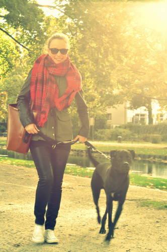 Für euch in Köln unterwegs und auf der Suche nach den neusten Lifestyle- und Mode-Trends: Stephanie von Koelnblogging.
