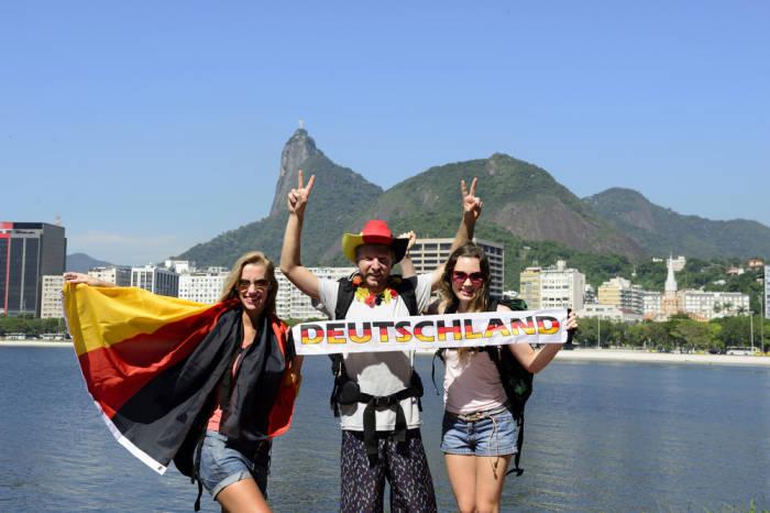 touristen deutsche backpacker rucksackreisen