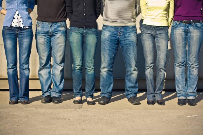 Jeans sind unkompliziert und modisch, aber ihre Herstellung schädigt die Umwelt. Der Ausweg: fair produziertes Öko-Denim.