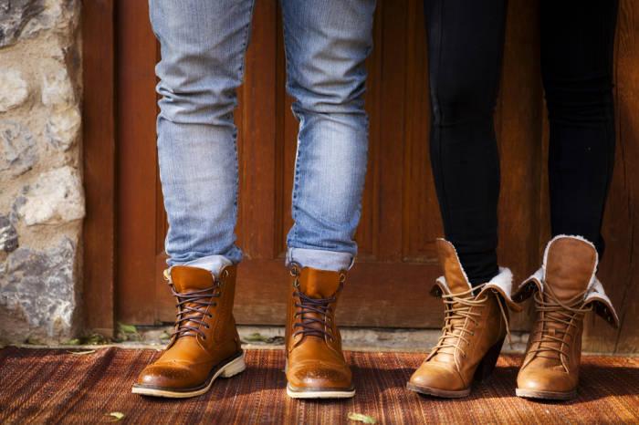 Derbe Boots zu legeren Jeans: auch im Frühjahr 2014 noch Trend.