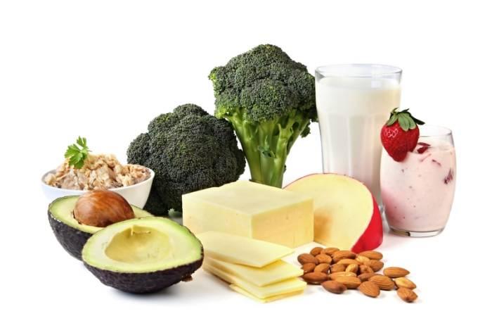Auch in Gemüse, Hülsenfrüchten und Nüssen stecken die essentiellen Aminosäuren.
