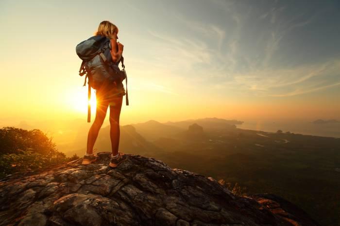 Mädchen am Gipfel