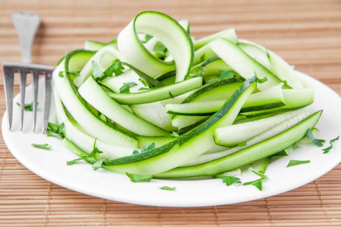 Zucchini heute mal in Nudelform.