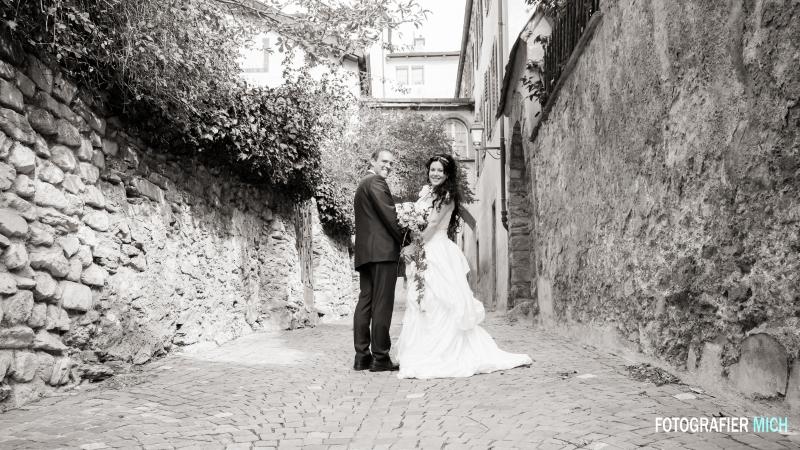 Romantik pur: Alte Gemäuer sind ein wunderschöner Hintergrund für Hochzeitsfotos.